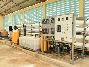 Defluorination of drinking water
